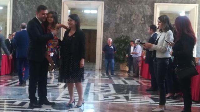 Meclis tarihinin ilk hamile milletvekili Gamze Taşcıer kimdir?