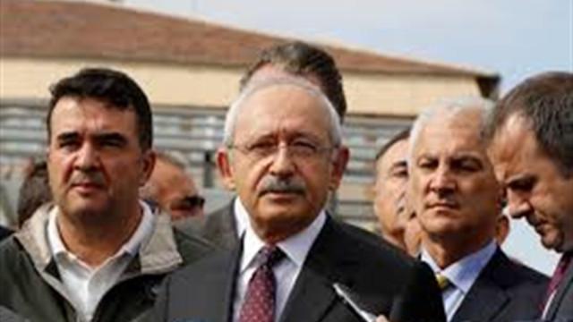Kemal Kılıçdaroğlu, heyelanda hayatını kaybeden vatandaşın ailesini ziyaret etti