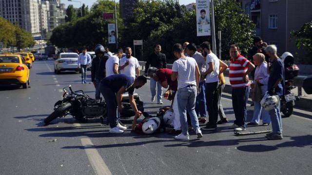 Şişli'de Yunus polisleri kaza yaptı: 2 yaralı