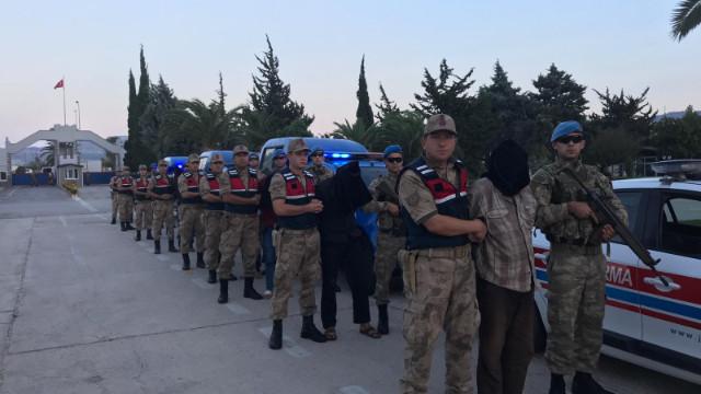 Hatay Valisi: MİT Afrin'de 9 PKK'lı yakaladı
