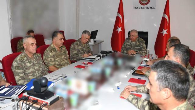 Az Önce! Genelkurmay Başkanı Güler, İdlib'deki görevli birlik komutanlarından brifing aldı