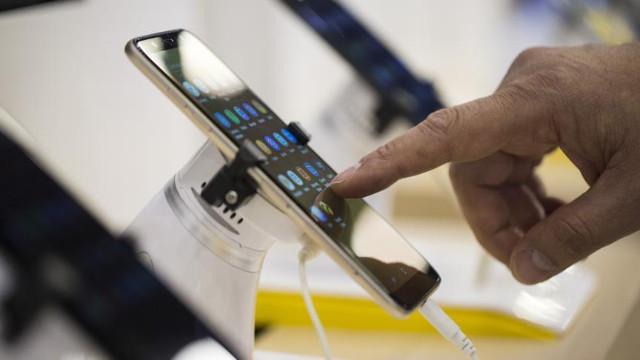Bilgisayar ve cep telefonlarına vergi geliyor