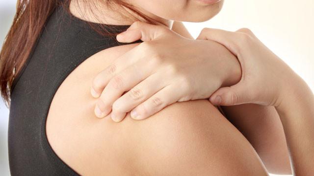 Donuk omuz sorunu nedir, neden olur? Donuk omuz hastalığı nasıl geçer?