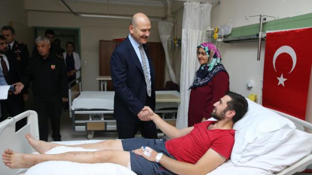 İçişleri Bakanı Süleyman Soylu gazileri ziyaret etti