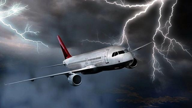 Malatya uçağı zorunlu iniş yaptı