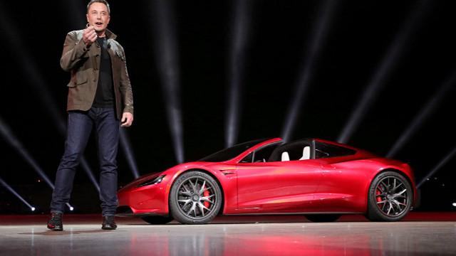 Tesla Türkiye'ye yapacağı yatırımı durdurdu
