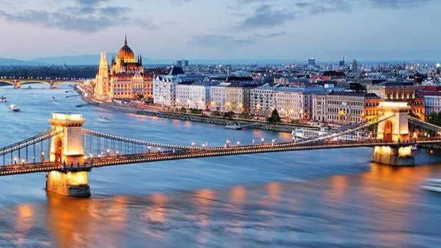 6 Kasım Hadi ipucu! Budin ve Peşte'yi birleştiren nehrin adı ne?