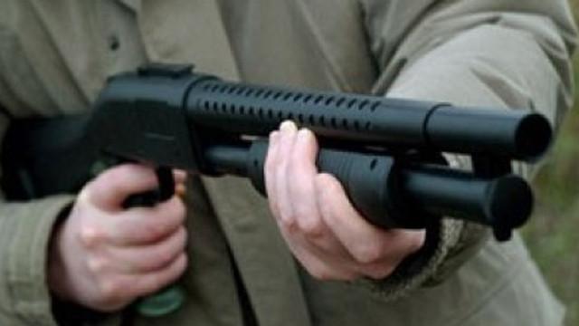Lise öğrencisi sokakta pompalı tüfekle vurularak öldürüldü