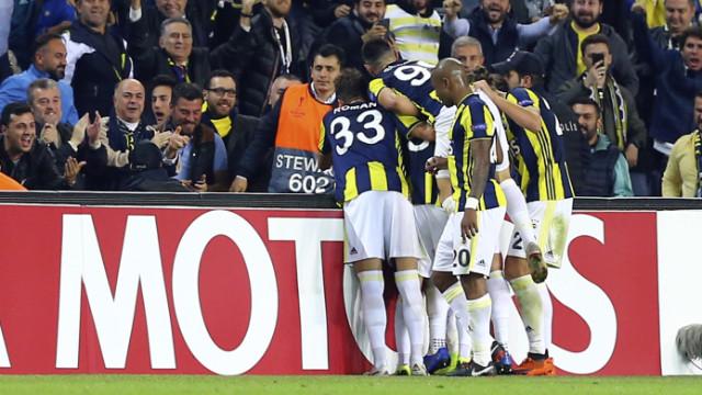Valbuena'nın yıldızlaştığı gecede Fenerbahçe Anderlecht'i 2-0 mağlup etti