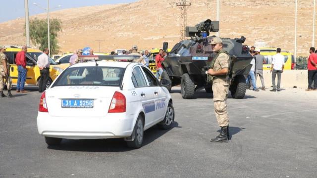 Az Önce! Zeytin Dalı Sınır Kapısı açıldı