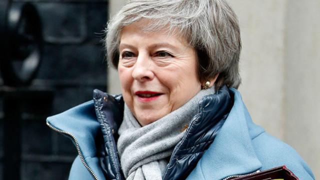 İngiltere Başbakanı May Brexit için tarih verdi