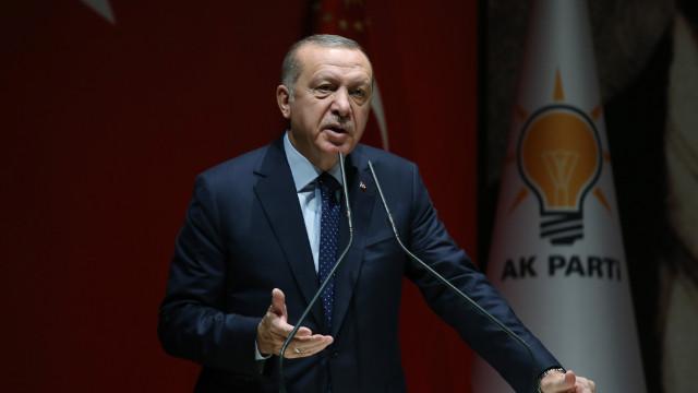 Erdoğan: Türkiye'yi batmış gibi gösterenlere derslerini vereceğiz