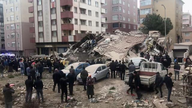 Kartal'da çöken binada ölü sayısı yükseldi