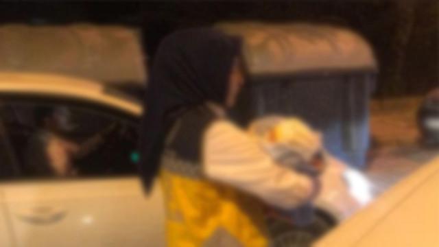 Bebeği çöpe atmışlardı: Poşetin ağzını üşümemesi için bağlamıştım