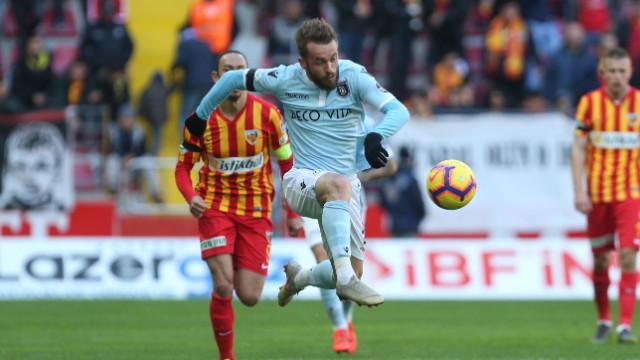 Medipol Başakşehir 90+7'de 1 puan razı oldu
