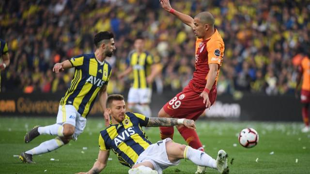 Fenerbahçe ile Galatasaray kozlarını paylaştı