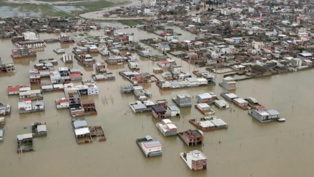 İran'da sel felaketi: Ölü sayısı 76'ya yükseldi