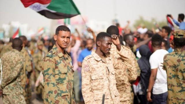 Sudanlı yazardan 'Türkiye'ye sürece dahil olun' çağrısı