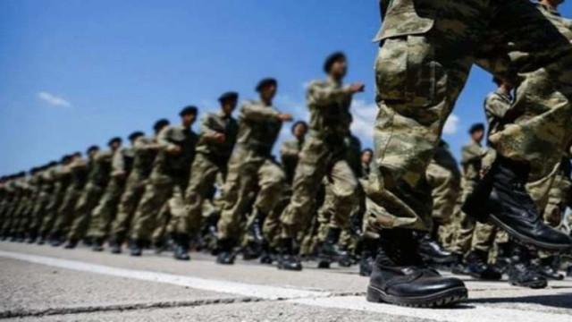 Bakan Akar'dan askerlik açıklaması