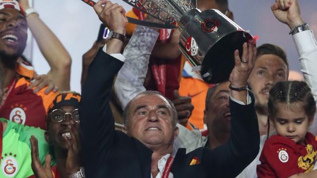 Fatih Terim 5 yılda daha Galatasaray'da