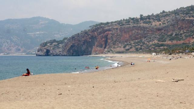 Gazipaşa'da Suriyelilerin plaja alınmaması kararına veto