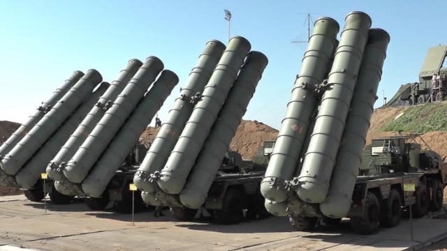 Çavuşoğlu'ndan S-400 açıklaması: Hiçbir şekilde geri adım atmayacağız