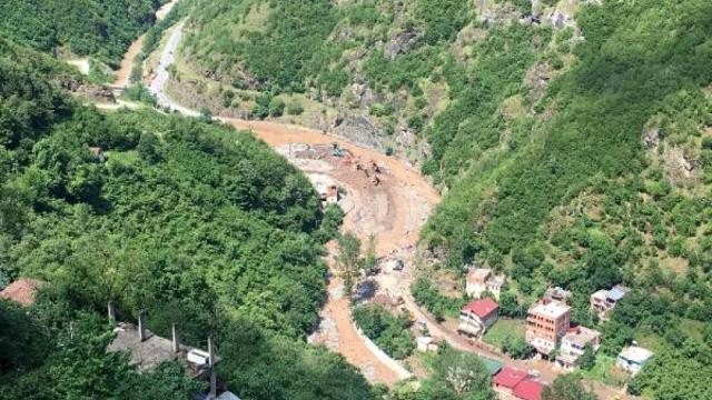Trabzon'da meydana gelen selde ölenlerin sayısı 8'e yükseldi