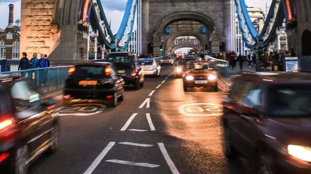 710 liralık trafik cezasını ödememek için 210 Bin lira harcadı