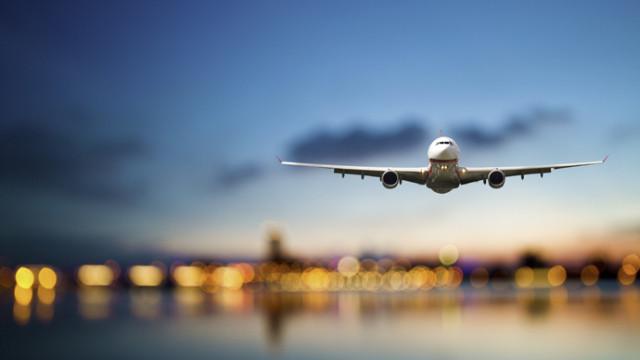 Uçak türbülansa girdi 13 kişi yaralandı