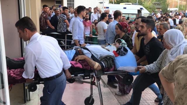 Bitlis'te minibüs şarampole yuvarlandı: 8 ölü