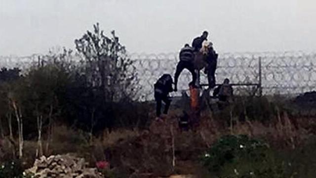 Yunanistan'a kaçmak isterken yakalandılar!