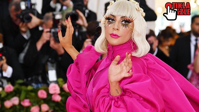 Lady Gaga hayranının kucağından düştü!