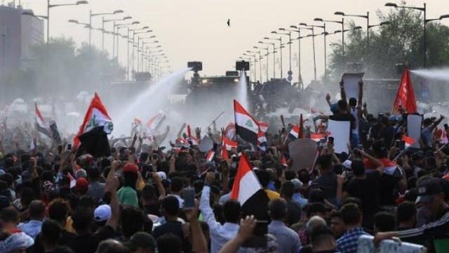 Irak'ta protestolar devam ediyor! 3 vekilin evi ateşe verildi, 250 kişi öldü