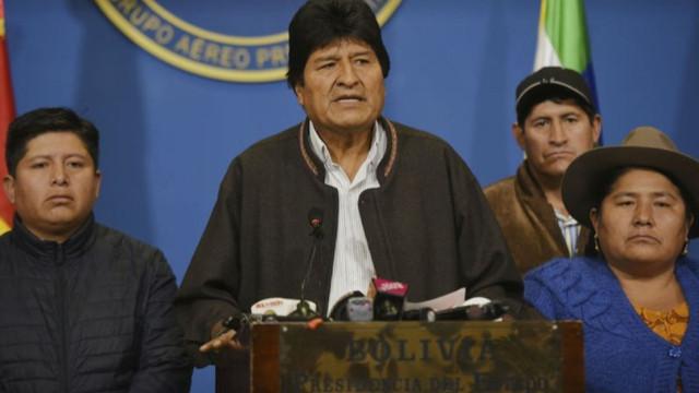 Evo Morales Bolivya'dan ayrıldı
