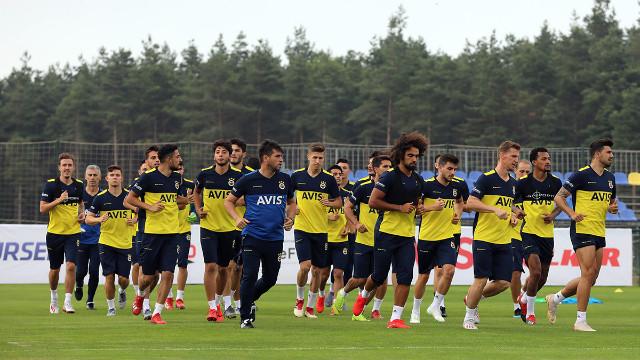 Fenerbahçe'de sakatıktan kim döndü?