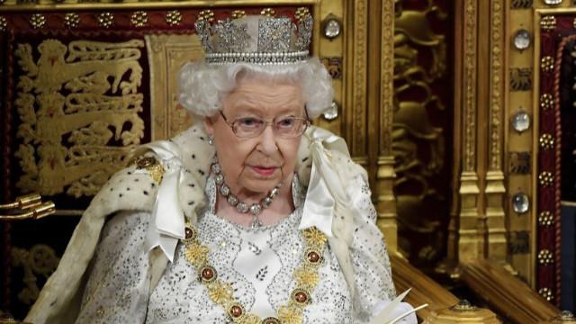 Kraliçe II. Elizabeth tahtı bırakacak!