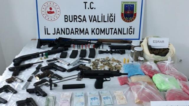 Jandarmadan silah ve uyuşturucu operasyonu