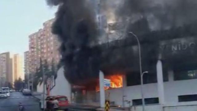 Başakşehir'de bir okulda yangın!