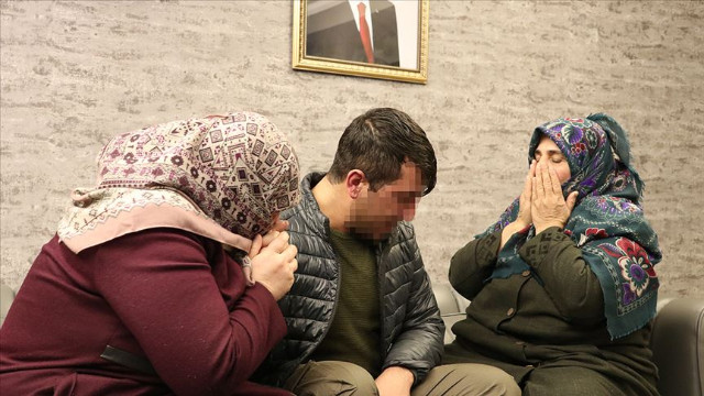 HDP önünde eylem yapan babaanne