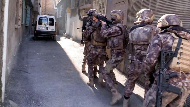 Gaziantep'te 755 polisle uyuşturucu operasyonu