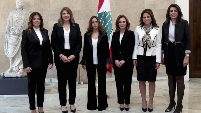 Lübnan'da bir ilk! Savunma Bakanı oldu...