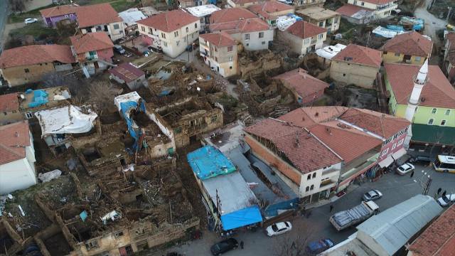 Elazığ ve Malatya'da deprem! 29 kişi hayatını kaybetti