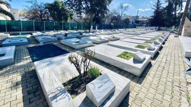 KKTC'de şehit mezarları karıştı!