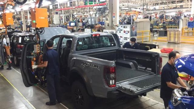 Ford 3 ülkede daha üretime ara veriyor