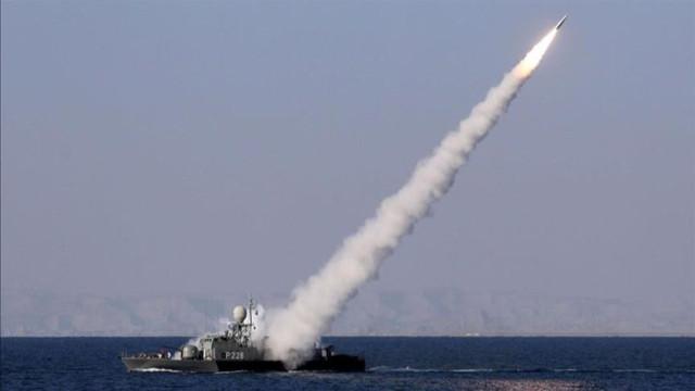 İran donanmasının kendi gemisini vurduğu iddia edildi