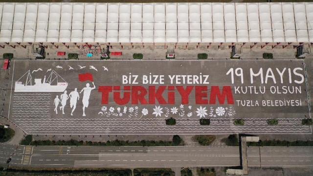 19 Mayıs'ta Tuzlalı gençlerden rekor! Dünyanın en büyük resmini çizdiler