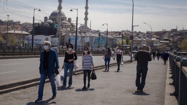 Bilim Kurulu üyesi açıkladı: Ankara, İstanbul, İzmir'de yeni normale geçiş daha sonra