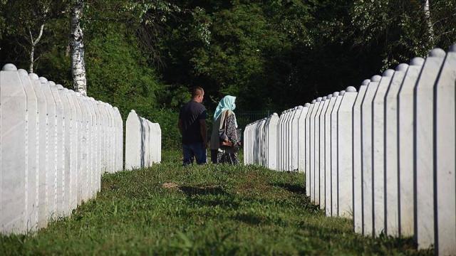 Bakan Çavuşoğlu ve Sözcü Çelik'ten  Srebrenitsa açıklaması