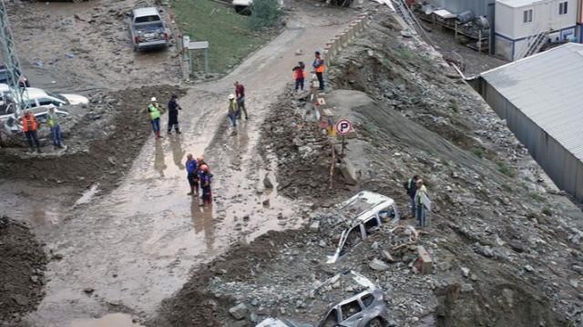 Artvin'deki sel felaketi! Kaybolan 3 kişinin cansız bedenine ulaşıldı