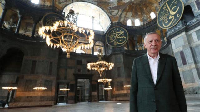 Erdoğan'dan Ayasofya paylaşımı: Ta ezelden sen bizimsin, biz de senin